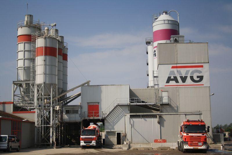 betoncentrale-avg-bouwstoffen-heijen-betonsilos