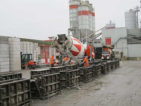 Betonblokken Baublocks AVG Bouwstoffen AVG Baustoffen Beton Blocken Betonblocken