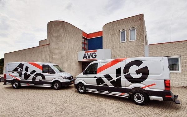 Nieuwe bussen voor AVG Wegenbouw