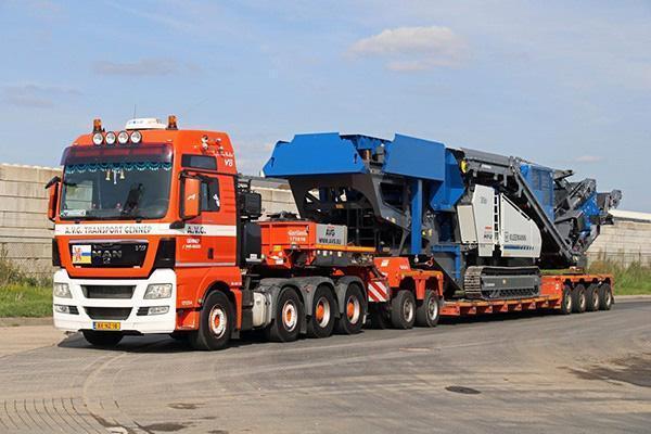 Mobilen Kleeman Brecher für AVG Baustoffe. Die Produkte aus dem mobilen Brecher werden von AVG Bouwstoffen zum Wohle der Kreislaufwirtschaft recycelt.