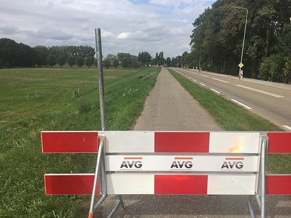 Straßenbau AVG Infra. Separater Radweg und Ausbesserung der Fahrbahn Hoofdstraat Heijen, Gemeinde Gennep.