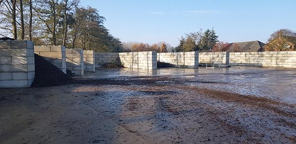 AVG Infra en AVG Bouwstoffen maken functionele opslagstraat van Baublocks voor Boomkwekerij Ebben