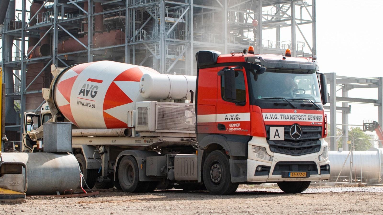 Beton (Mörtel) nötig? Betonpreis pro m3 oder Preis fuer betonieren anfragen? AVG liefert FEhS zertifizierte Betonmörtel in allen Arten, Mengen und Umweltklassen. Unsere modernen Betonwerke in den Niederlanden und in Deutschland garantieren eine breite Palette von Betonanwendungen von hoher und dauerhafter Qualität