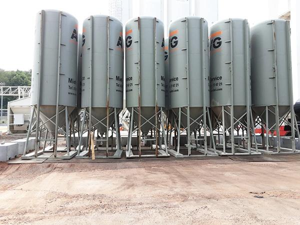 AVG Mineralische Baustoffe beschikt over circa 25 mobiele opslagsilo's. Deze zijn zowel in de uitvoering