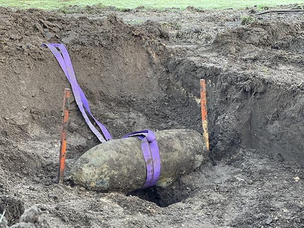 explosievenonderzoek-explosieven-opsporing-sprengstoffuntersuchung-AVG-vliegtuigbom-Raalte-fliegerbombe-vliegtuigbom